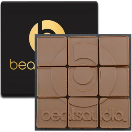 9 Chocolate Squares in Modern Gift Box